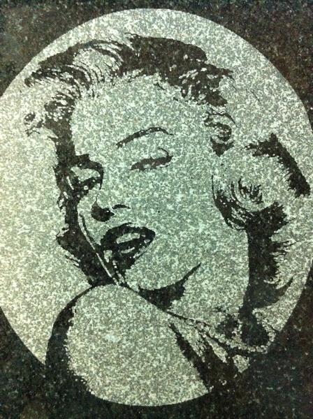 лазерная гравировка по камню